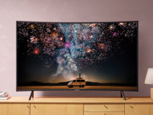 Curved TVs Pros and Cons: What You Need to Know?