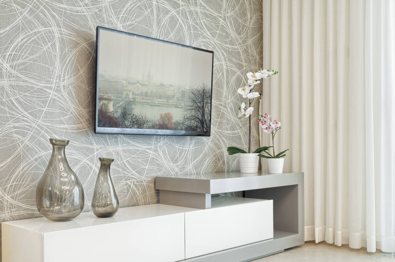 How to Hang a Big Screen TV: 5 Easy Steps for Hanging Your Television