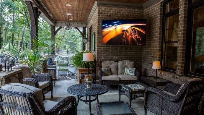 Outdoor TV Wall Mount: 6 Tips for Having a Successful Installation