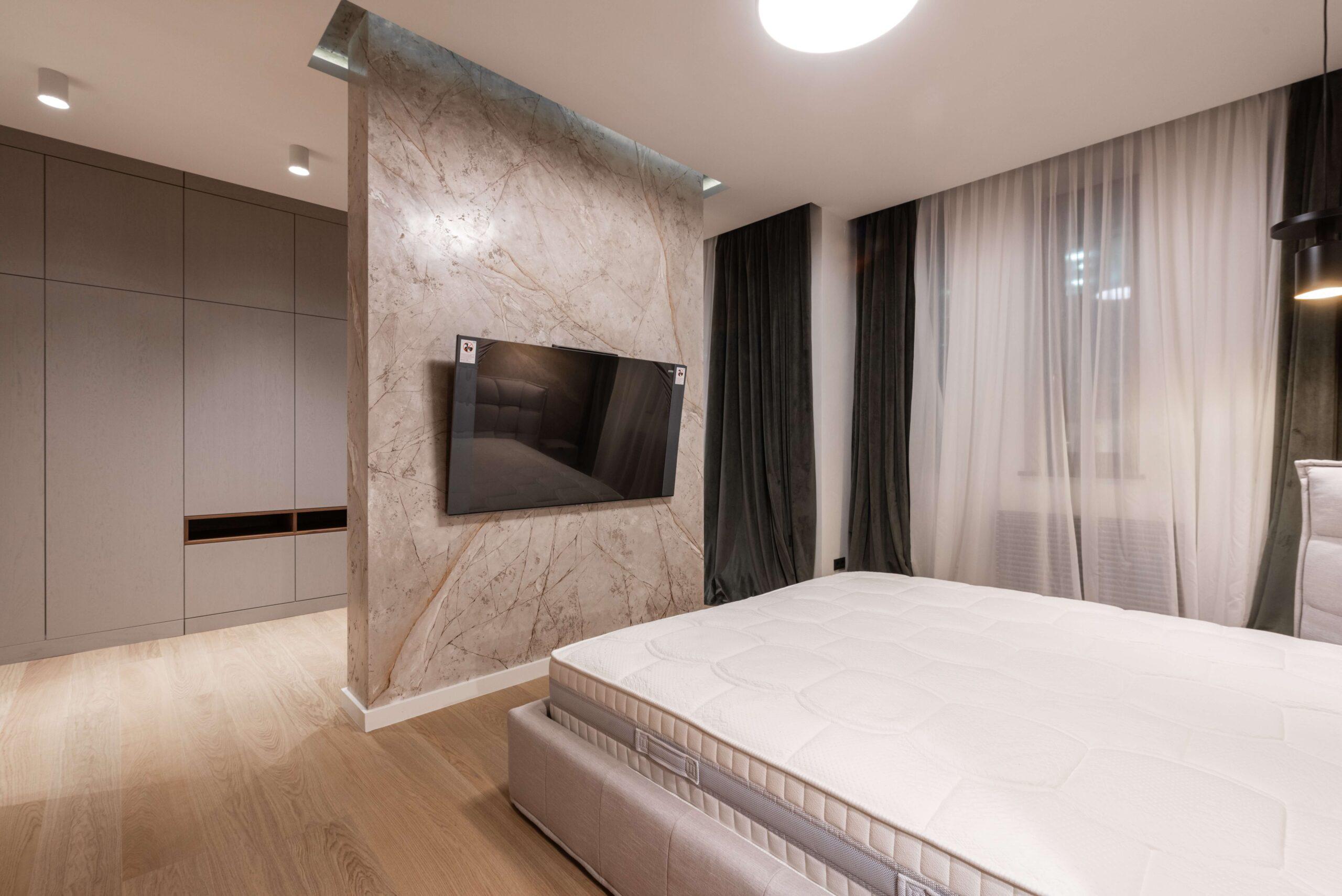 6 Best Bedroom TV Mounting Ideas