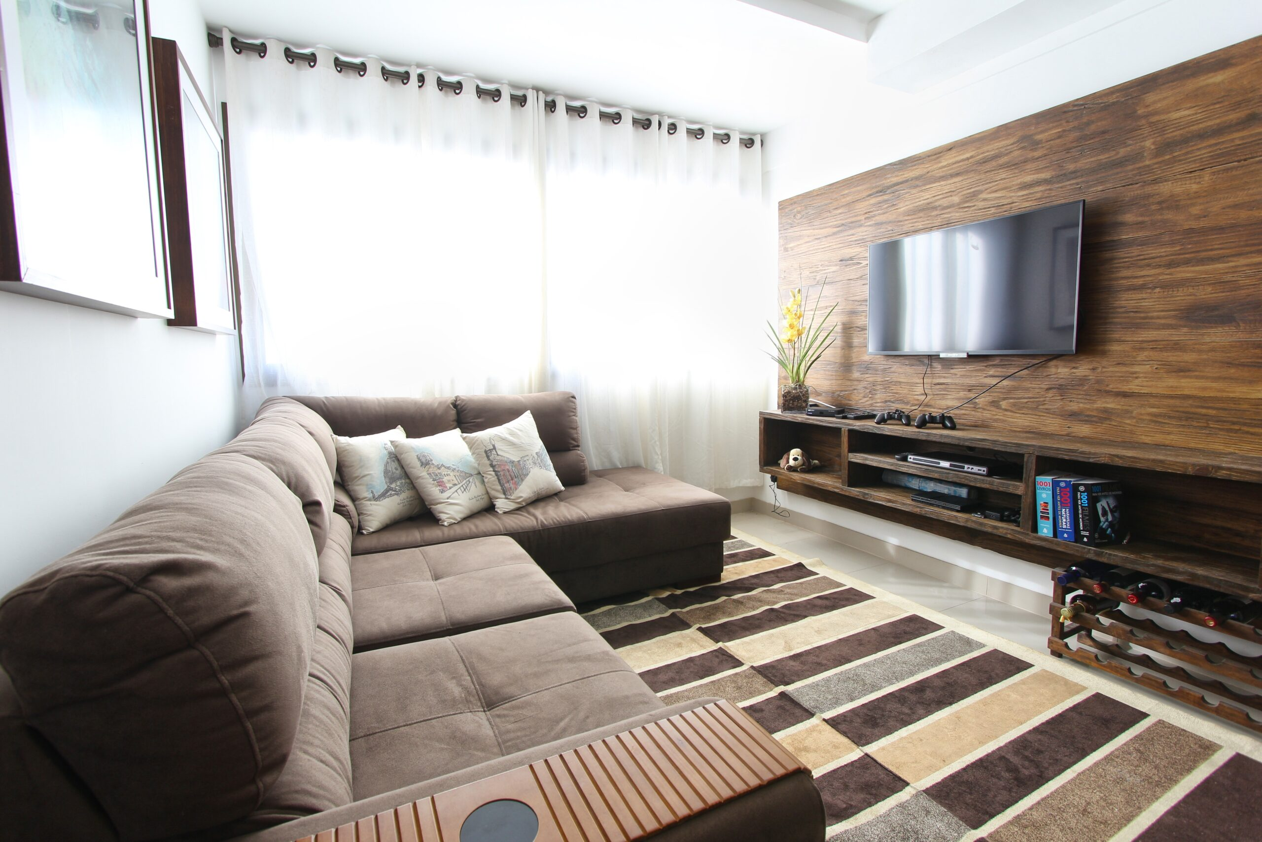 LCD Wall Mounting Tips: How to Save Space Around Your TV